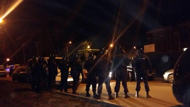 Впарке «Дубки» начались задержания