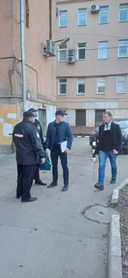 Изтверского штаба Навального полиция изъяла листовки