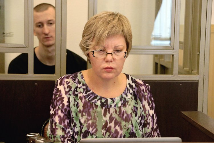 Светлана Сидоркина со своим подзащитным, антифашистом Александром Кольченко